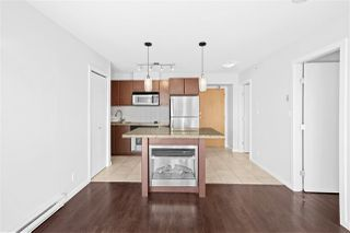 "Photo 9: 805 1199 SEYMOUR Street in Vancouver: Downtown VW Condo for sale in ""BRAVA"" (Vancouver West)  : MLS®# R2490228"