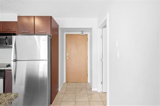 "Photo 3: 805 1199 SEYMOUR Street in Vancouver: Downtown VW Condo for sale in ""BRAVA"" (Vancouver West)  : MLS®# R2490228"