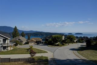 """Photo 4: Lot 2 SPYGLASS Place in Gibsons: Gibsons & Area Land for sale in """"MARINERS LOOKOUT"""" (Sunshine Coast)  : MLS®# R2515896"""