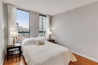 "Photo 4: PH2 828 AGNES Street in New Westminster: Downtown NW Condo for sale in ""WESTMINSTER TOWERS"" : MLS®# R2517567"