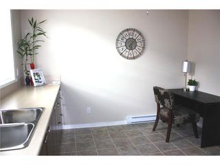 "Photo 3: 33 19572 FRASER Way in Pitt Meadows: South Meadows Townhouse for sale in ""COHO CHAPTER II"" : MLS®# V895055"