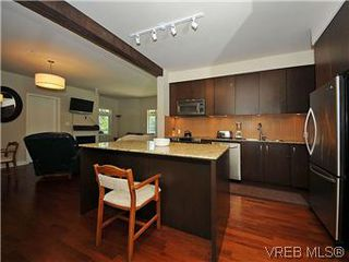 Photo 3: 302 1375 Bear Mountain Parkway in VICTORIA: La Bear Mountain Condo Apartment for sale (Langford)  : MLS®# 298593