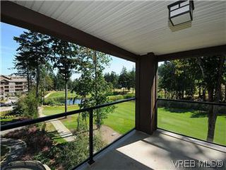 Photo 1: 302 1375 Bear Mountain Parkway in VICTORIA: La Bear Mountain Condo Apartment for sale (Langford)  : MLS®# 298593