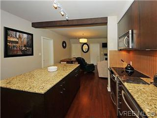 Photo 4: 302 1375 Bear Mountain Parkway in VICTORIA: La Bear Mountain Condo Apartment for sale (Langford)  : MLS®# 298593