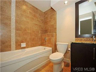Photo 9: 302 1375 Bear Mountain Parkway in VICTORIA: La Bear Mountain Condo Apartment for sale (Langford)  : MLS®# 298593