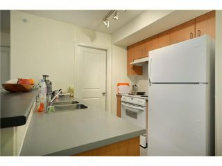 Photo 3: 702 1295 RICHARDS Street in Vancouver: Downtown VW Condo for sale (Vancouver West)  : MLS®# V924739