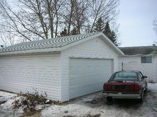 Photo 3: 1432 KNOTTWOOD ROAD EAST: House for sale (Ekota)  : MLS®# E3085147