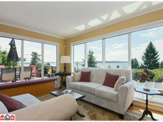 Photo 2: 15493 ROYAL Avenue: White Rock House for sale (South Surrey White Rock)  : MLS®# F1219553