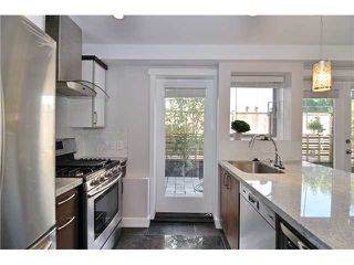 Photo 7: 2482 W 8TH Avenue in Vancouver: Kitsilano Condo for sale (Vancouver West)  : MLS®# V982432