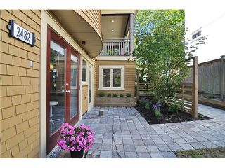Photo 2: 2482 W 8TH Avenue in Vancouver: Kitsilano Condo for sale (Vancouver West)  : MLS®# V982432