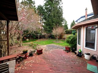 Photo 13: 5994 SOUTHPARK Grove in Surrey: Panorama Ridge House for sale : MLS®# F1304583