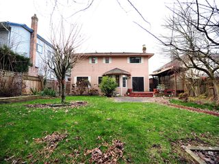 Photo 15: 5994 SOUTHPARK Grove in Surrey: Panorama Ridge House for sale : MLS®# F1304583