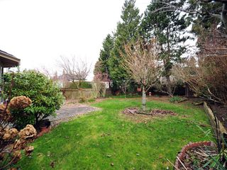 Photo 14: 5994 SOUTHPARK Grove in Surrey: Panorama Ridge House for sale : MLS®# F1304583