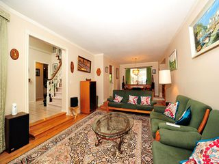 Photo 3: 5994 SOUTHPARK Grove in Surrey: Panorama Ridge House for sale : MLS®# F1304583
