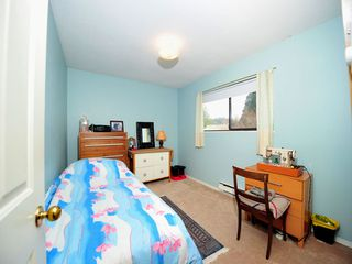 Photo 10: 5994 SOUTHPARK Grove in Surrey: Panorama Ridge House for sale : MLS®# F1304583