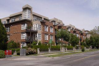 "Main Photo: 205 2181 W 12TH AV in Vancouver: Kitsilano Condo for sale in ""THE CARLINGS"" (Vancouver West)  : MLS®# V598795"