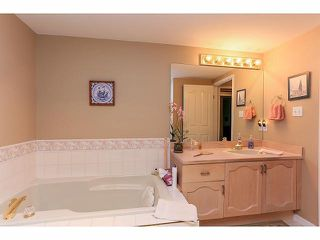"Photo 16: 33 9168 FLEETWOOD Way in Surrey: Fleetwood Tynehead Townhouse for sale in ""The Fountains"" : MLS®# F1414728"