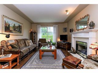 "Photo 3: 33 9168 FLEETWOOD Way in Surrey: Fleetwood Tynehead Townhouse for sale in ""The Fountains"" : MLS®# F1414728"