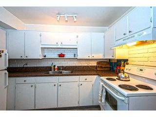 """Photo 6: 109 13786 103RD Avenue in Surrey: Whalley Townhouse for sale in """"THE MEADOWS"""" (North Surrey)  : MLS®# F1431821"""