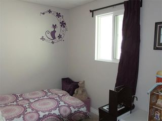 Photo 10: 240 VAN HORNE Crescent NE in Calgary: Vista Heights House for sale : MLS®# C4012124