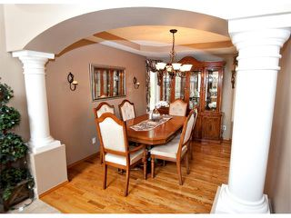 Photo 7: 60 DOUGLASVIEW Rise SE in Calgary: Douglasdale Estates House for sale : MLS®# C4012929