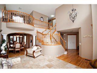 Photo 3: 60 DOUGLASVIEW Rise SE in Calgary: Douglasdale Estates House for sale : MLS®# C4012929