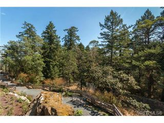 Photo 11: 401 290 Wilfert Rd in VICTORIA: VR Six Mile Condo for sale (View Royal)  : MLS®# 717203