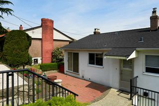 "Photo 20: 824 SURREY Street in New Westminster: The Heights NW House for sale in ""THE HEIGHTS"" : MLS®# R2064909"