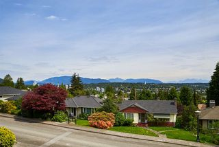 "Photo 18: 824 SURREY Street in New Westminster: The Heights NW House for sale in ""THE HEIGHTS"" : MLS®# R2064909"