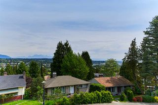 "Photo 19: 824 SURREY Street in New Westminster: The Heights NW House for sale in ""THE HEIGHTS"" : MLS®# R2064909"