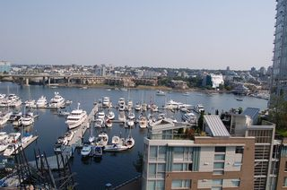 Photo 7: 1105 1201 Marinaside Cres in Peninsula: Home for sale