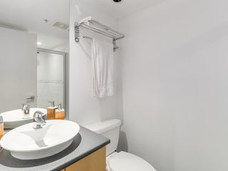 """Photo 11: 808 155 W 1ST Street in North Vancouver: Lower Lonsdale Condo for sale in """"TIME"""" : MLS®# R2094578"""