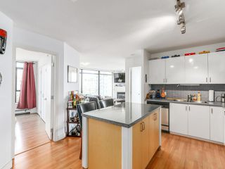 """Photo 8: 808 155 W 1ST Street in North Vancouver: Lower Lonsdale Condo for sale in """"TIME"""" : MLS®# R2094578"""