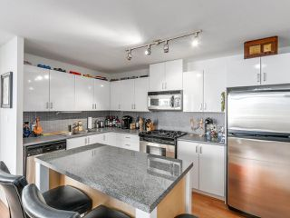 """Photo 7: 808 155 W 1ST Street in North Vancouver: Lower Lonsdale Condo for sale in """"TIME"""" : MLS®# R2094578"""