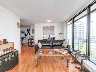 """Photo 5: 808 155 W 1ST Street in North Vancouver: Lower Lonsdale Condo for sale in """"TIME"""" : MLS®# R2094578"""