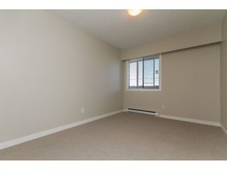 """Photo 5: 110 32040 PEARDONVILLE Road in Abbotsford: Abbotsford West Condo for sale in """"Dogwood Manor"""" : MLS®# R2101108"""