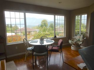 Photo 3: 6392 PIPER Place in Sechelt: Sechelt District House for sale (Sunshine Coast)  : MLS®# R2104359