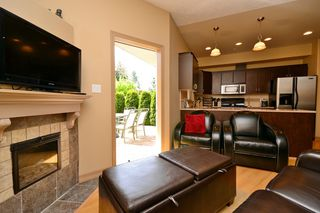 Photo 4: 111 3915 Carey Road in VICTORIA: SW Tillicum Condo Apartment for sale (Saanich West)  : MLS®# 376140