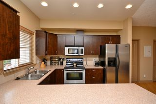 Photo 7: 111 3915 Carey Road in VICTORIA: SW Tillicum Condo Apartment for sale (Saanich West)  : MLS®# 376140