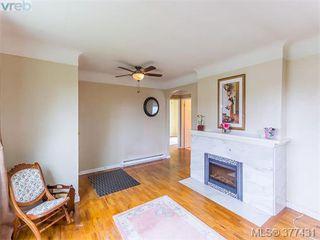 Photo 3: 37 Regina Ave in VICTORIA: SW Gateway Single Family Detached for sale (Saanich West)  : MLS®# 757815