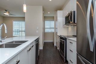 "Photo 6: 17 1968 N PARALLEL Road in Abbotsford: Abbotsford East Townhouse for sale in ""Parallel North"" : MLS®# R2173432"