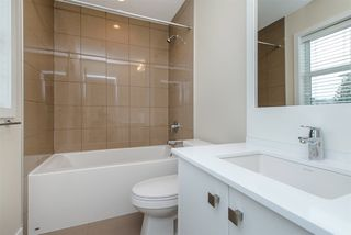 "Photo 12: 17 1968 N PARALLEL Road in Abbotsford: Abbotsford East Townhouse for sale in ""Parallel North"" : MLS®# R2173432"