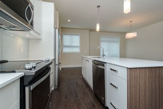 "Photo 4: 17 1968 N PARALLEL Road in Abbotsford: Abbotsford East Townhouse for sale in ""Parallel North"" : MLS®# R2173432"