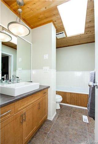 Photo 13: 37 Willowmeade Crescent in Winnipeg: Meadowood Residential for sale (2E)  : MLS®# 1715361
