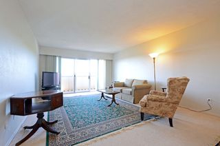 Photo 2: 401 1012 Pakington St in VICTORIA: Vi Fairfield West Condo for sale (Victoria)  : MLS®# 763626