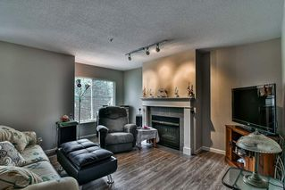 "Photo 2: 19 8892 208 Street in Langley: Walnut Grove Townhouse for sale in ""Hunter's Run"" : MLS®# R2183527"