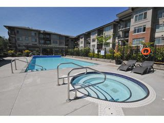 "Photo 4: 107 9199 TOMICKI Avenue in Richmond: West Cambie Condo for sale in ""MERIDIAN GATE"" : MLS®# R2185974"