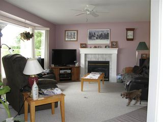 Photo 2: 3 530 COQUIHALLA Street in Hope: Hope Center Townhouse for sale : MLS®# R2186840