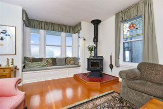 Photo 4: 242 E 28TH Street in North Vancouver: Upper Lonsdale House for sale : MLS®# R2233565