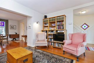 Photo 3: 242 E 28TH Street in North Vancouver: Upper Lonsdale House for sale : MLS®# R2233565